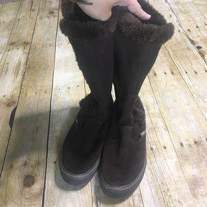Vans Shoes - Vans Phoebe brown suede boots. Size 9.5